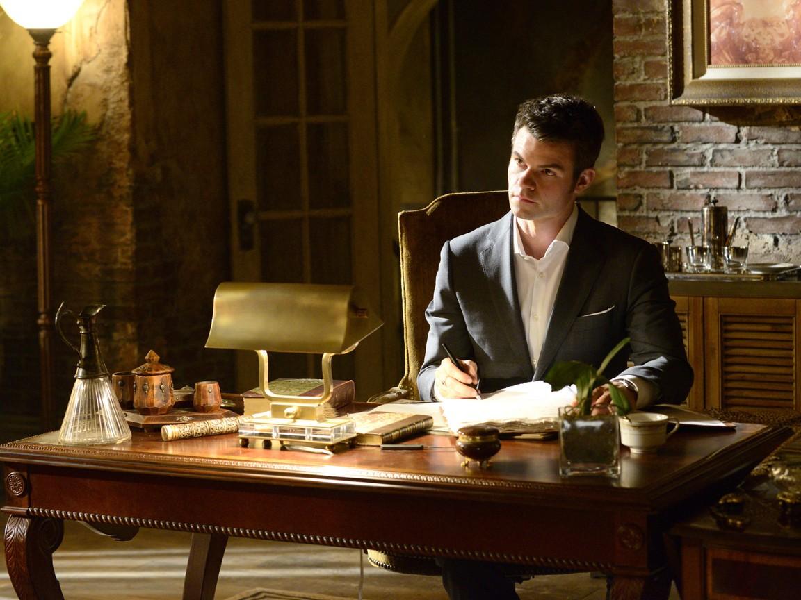 The Originals - Season 1 Episode 19: An Unblinking Death