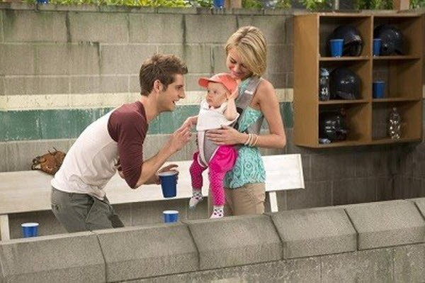 Baby Daddy - Season 1 Episode 06: Take Her Out of the Ballgame