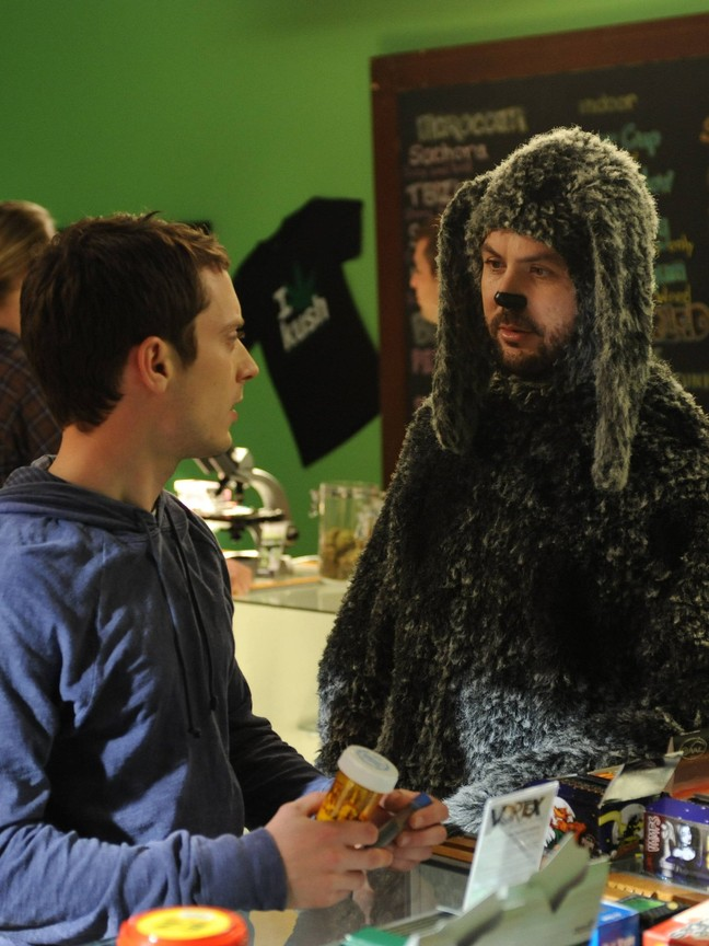 Wilfred (US) - Season 2 Episode 11: Questions