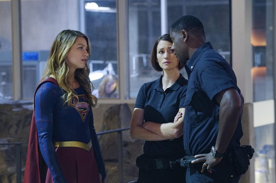 Supergirl - Season 1 Episode 08: Hostile Takeover