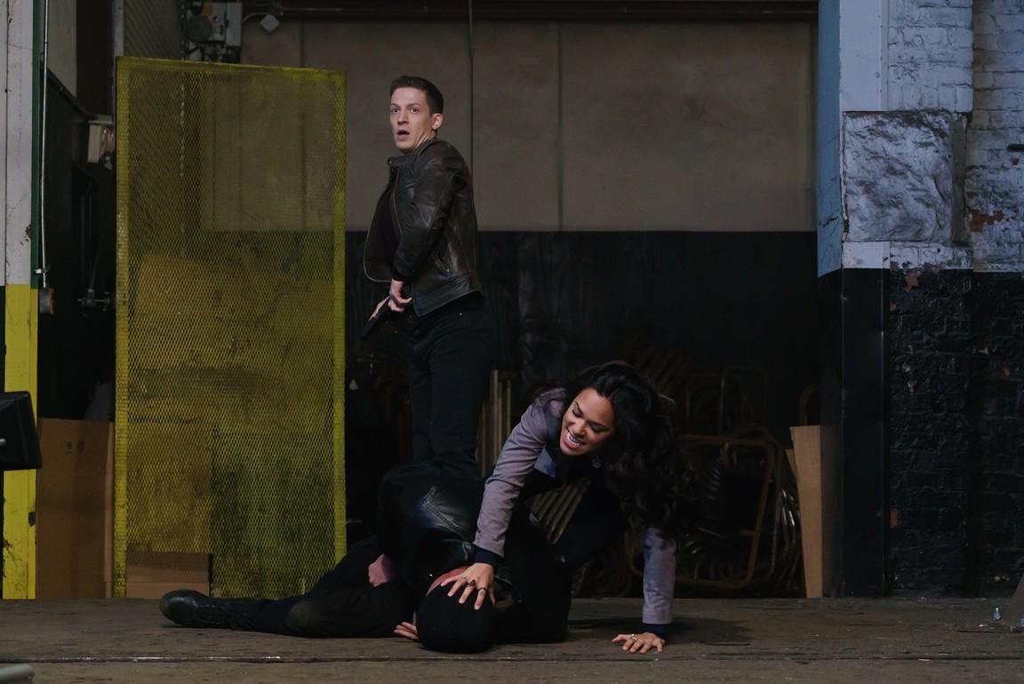 Sleepy Hollow - Season 3 Episode 12: Sins of the Father