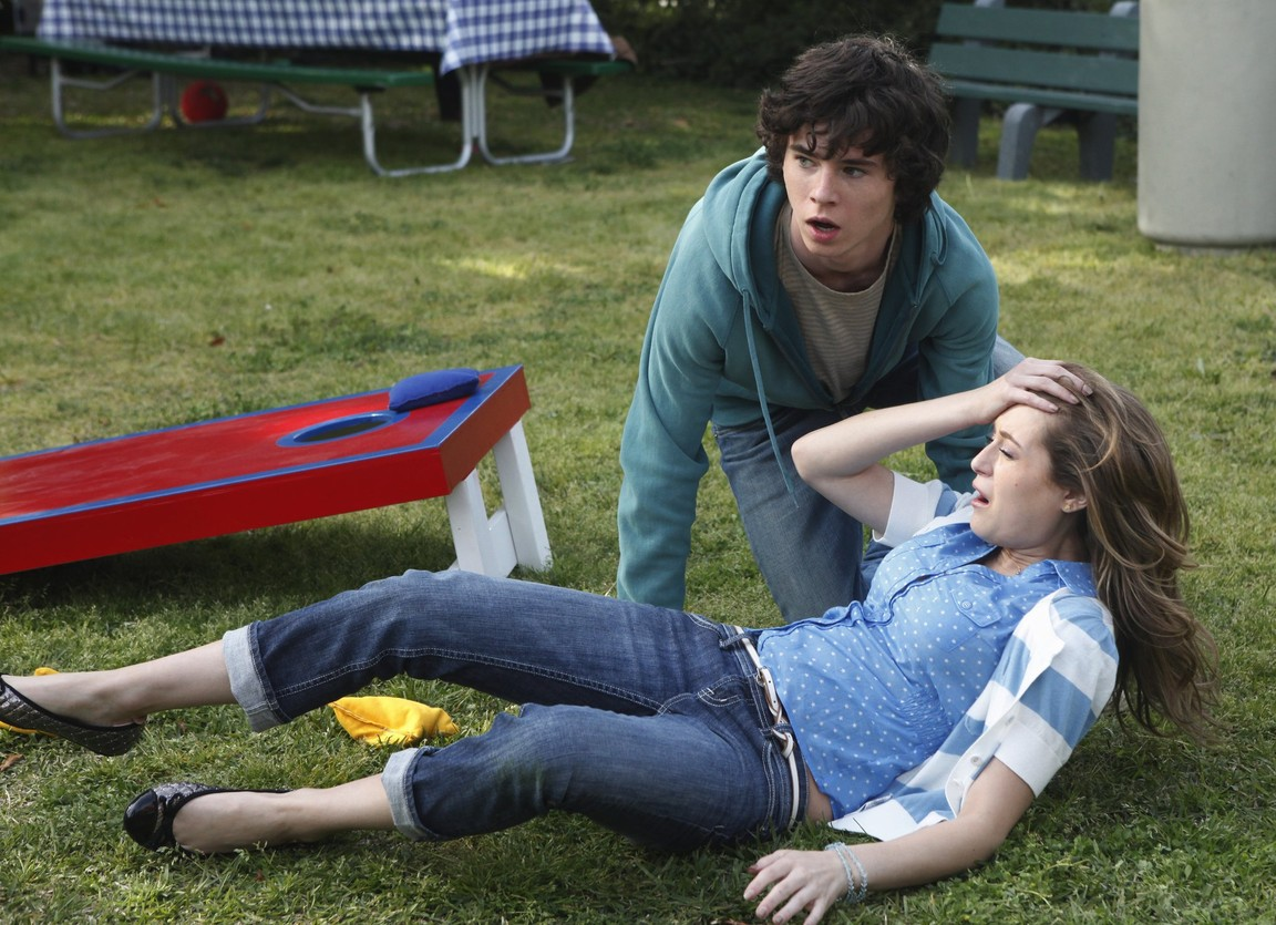 The Middle - Season 1 Episode 21: Worry Duty