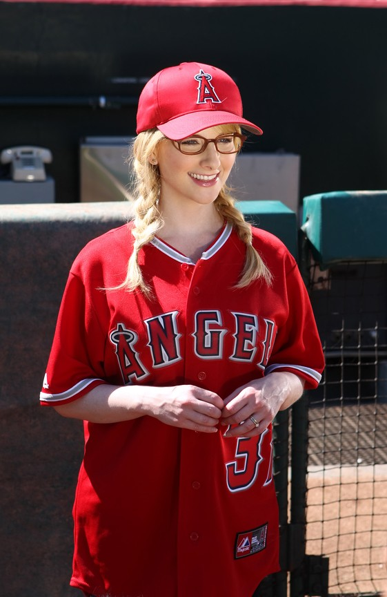 The Big Bang Theory - Season 8 Episode 03: The First Pitch Insufficiency