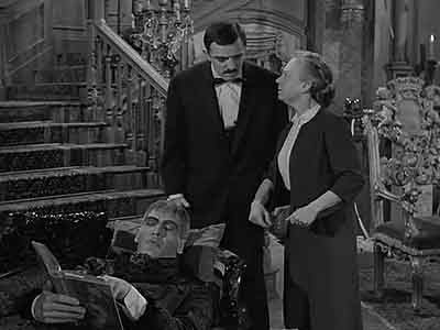 The Addams Family - Season 1 Episode 17: Mother Lurch Visits the Addams Family