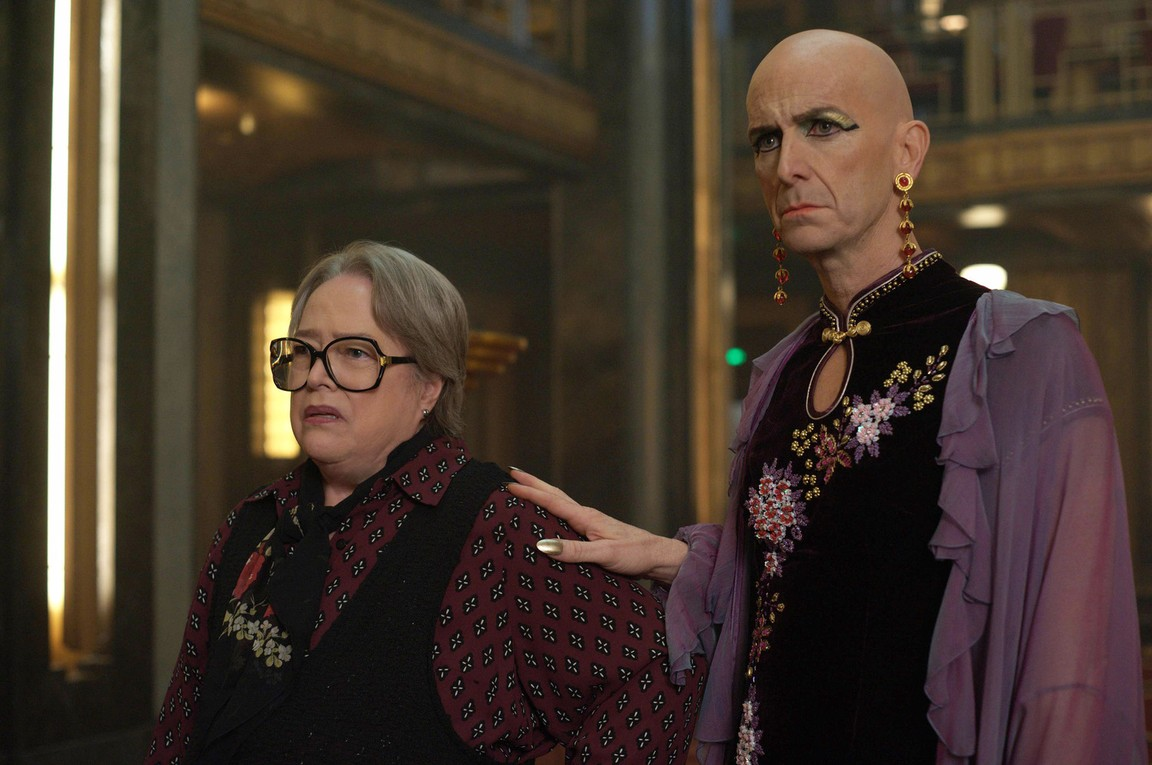 American Horror Story - Season 5 Episode 01: Checking In