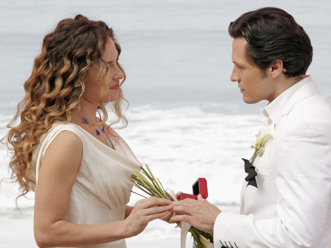 Revenge - Season 2 Episode 13: Union