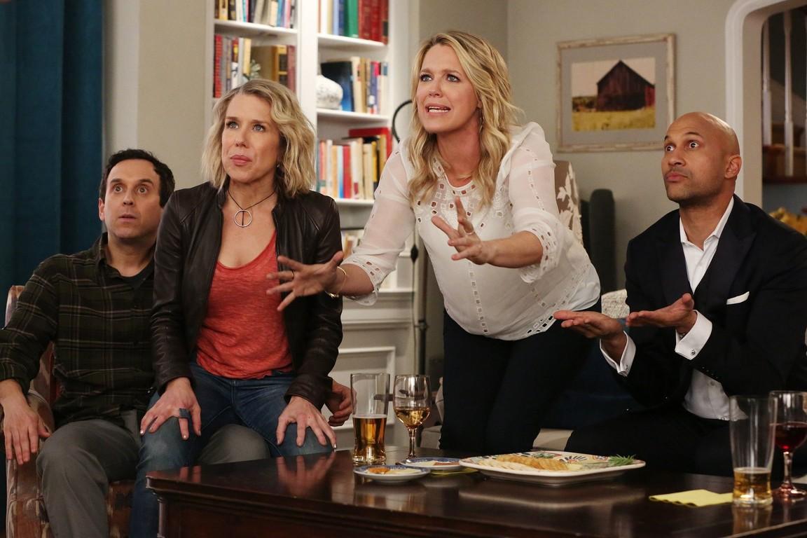 Playing House- Season 3 Episode 01: Cookie Jar