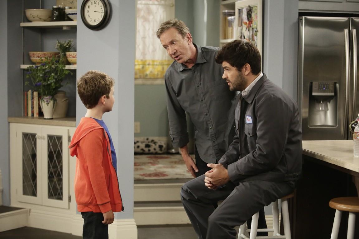 Last Man Standing - Season 5 Episode 02 Free Range Parents