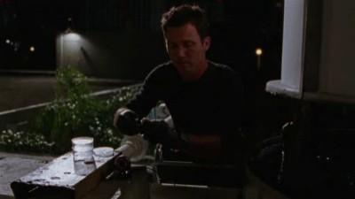 Burn Notice - Season 2 Episode 05: Scatter Point