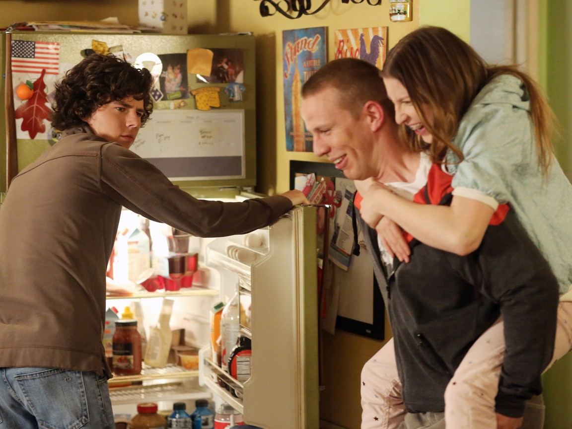 The Middle - Season 4 Episode 21: From Orson With Love