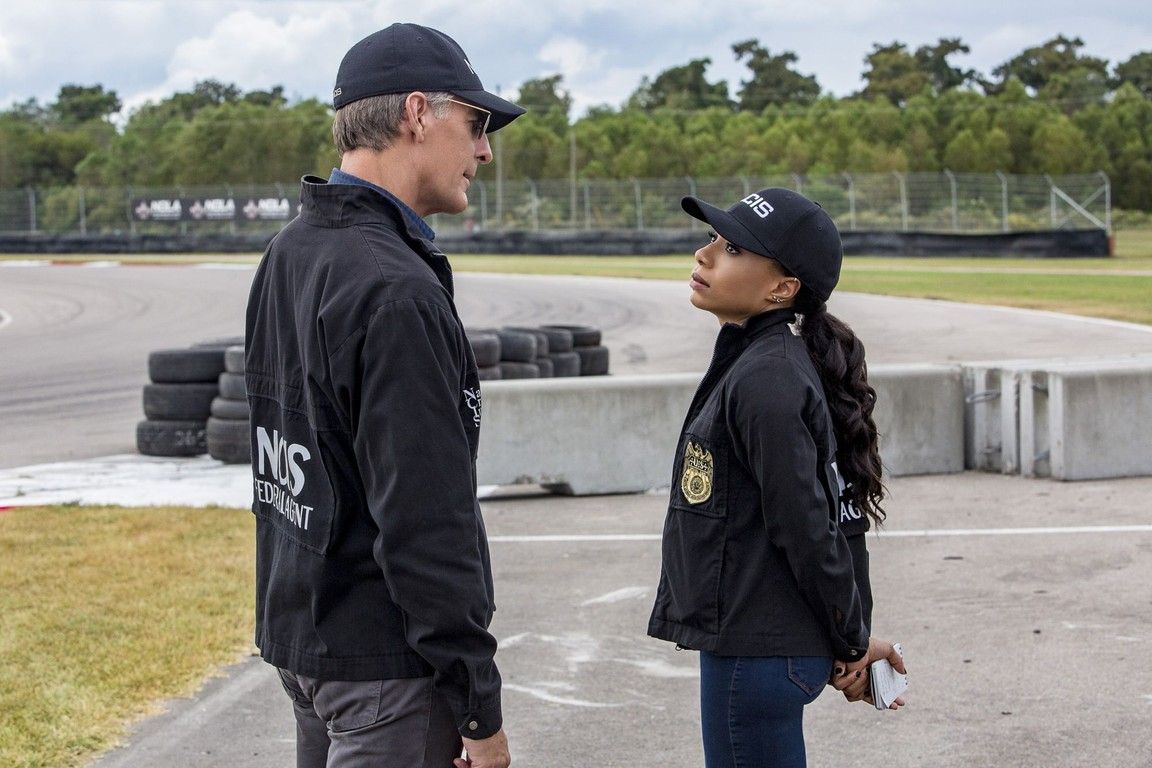 NCIS: New Orleans - Season 3 Episode 09: Overdrive