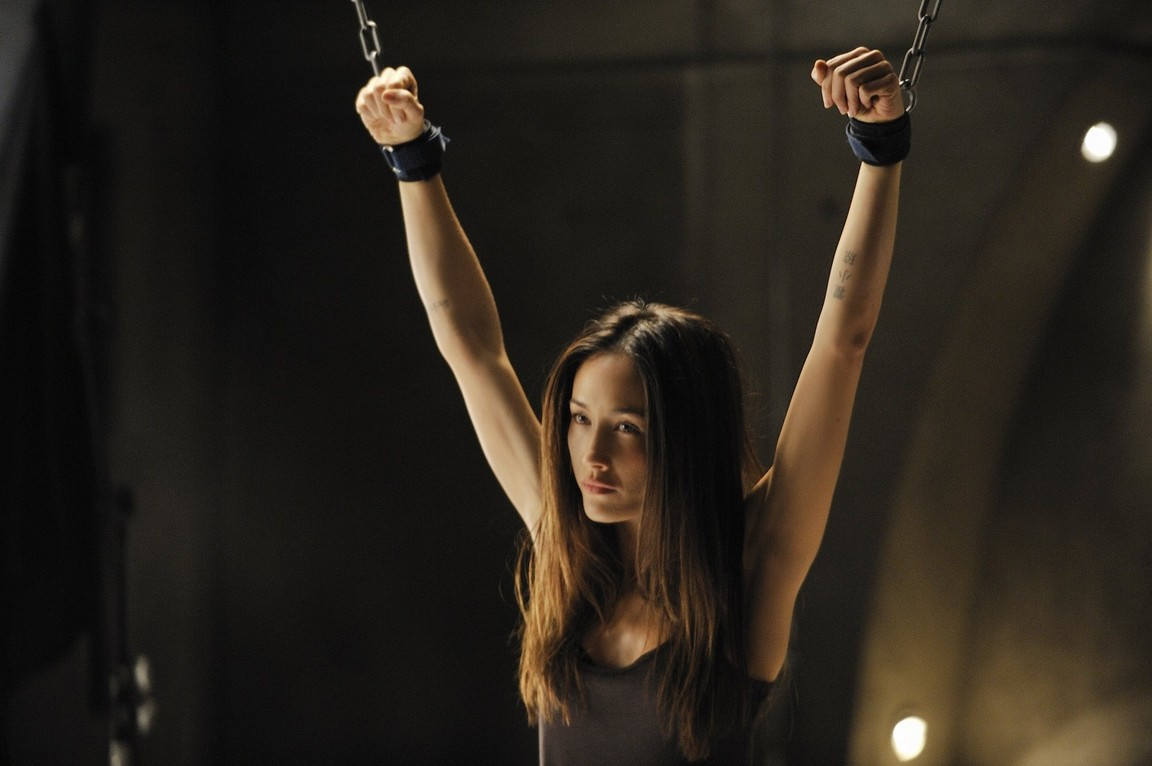Nikita - Season 1 Episode 11: All The Way