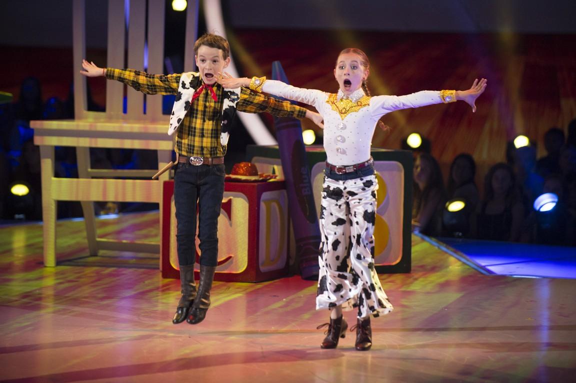 Dancing with the Stars: Juniors - Season 1 Episode 03: Disney Night