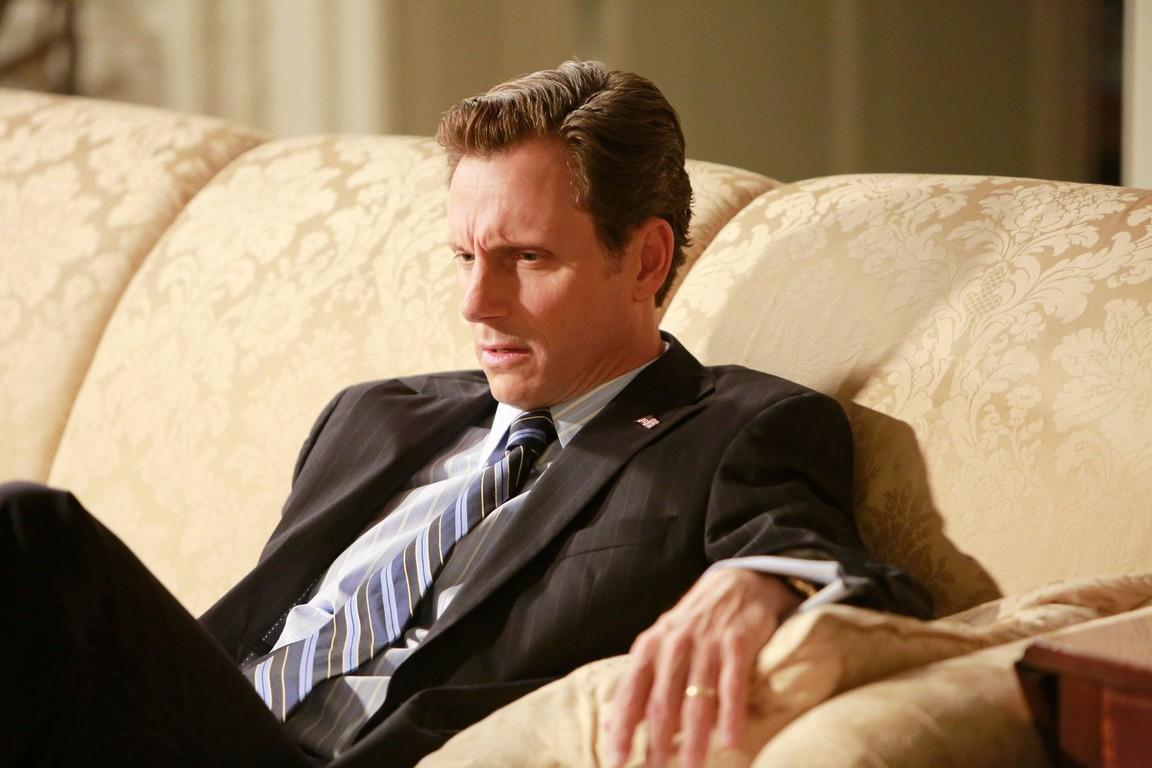 Scandal - Season 2 Episode 04: Beltway Unbuckled