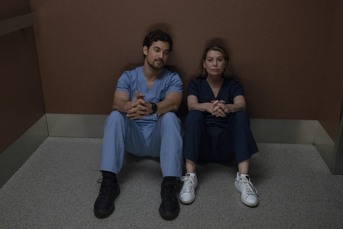 Greys Anatomy - Season 15 Episode 09: Shelter From the Storm