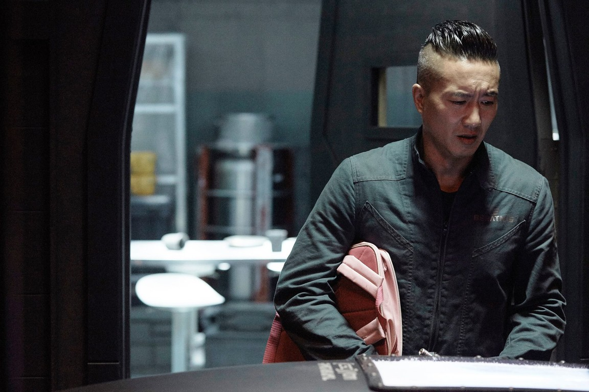 The Expanse - Season 2 Episode 11: Here There Be Dragons