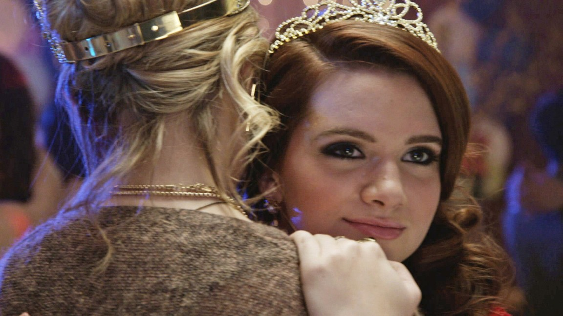 Faking It - Season 1 Episode 02: Homecoming Out