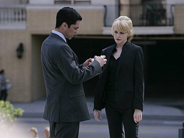 Cold Case - Season 7 Episode 22: Shattered