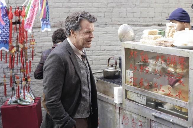 Fringe - Season 2 Episode 09: Snakehead